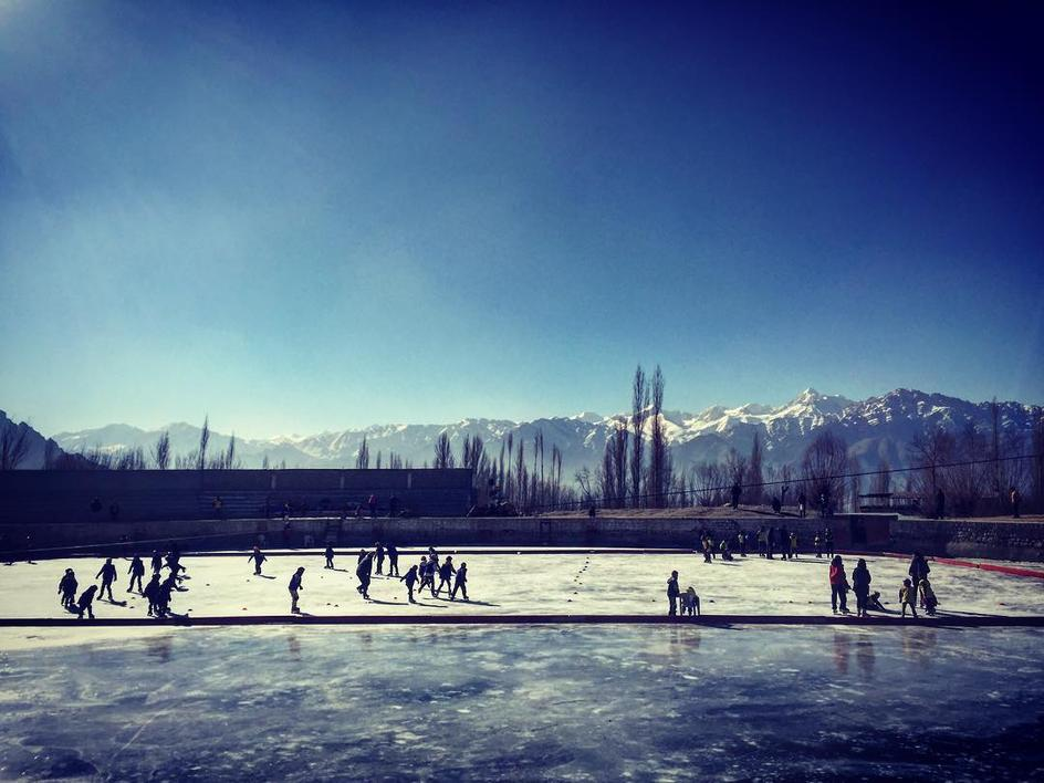 Hockey in the Himalayas 1